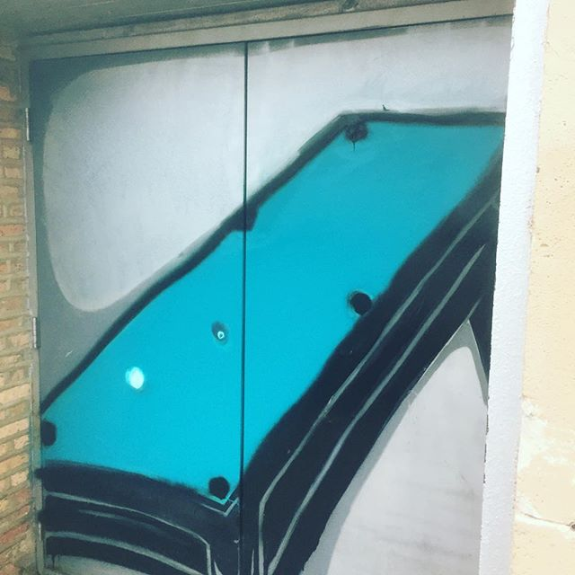 """We are a pool hall, so we need to make sure we have an exact rendering of a pool table on our doors."" SAY NO MORE FAM. #nailedit #firsttimesacharm #pleasehireactualartists #thisiswhatcuttingcornerslooklike"