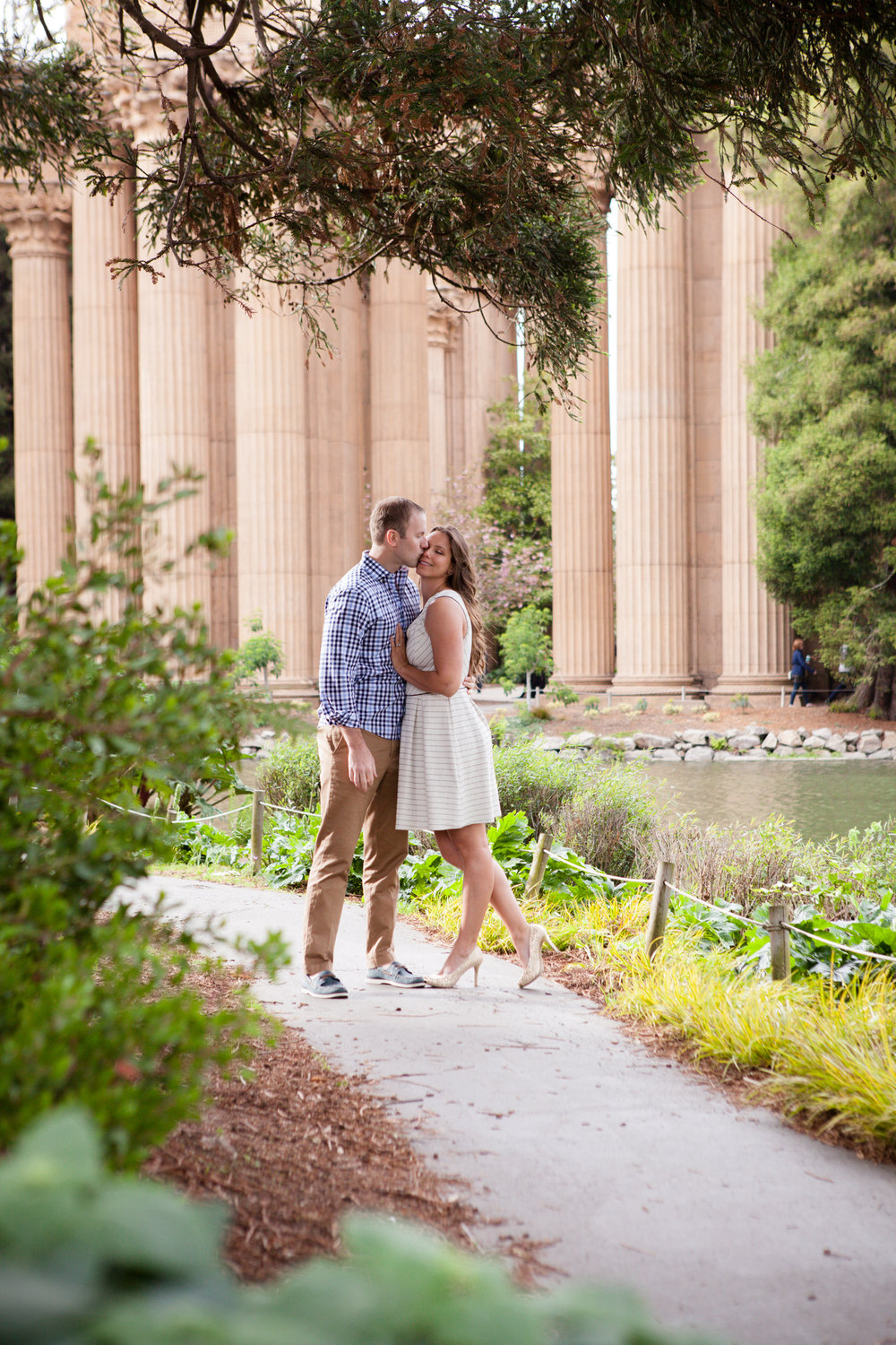 PalaceOfFineArts_Engagement photos-2651.jpg