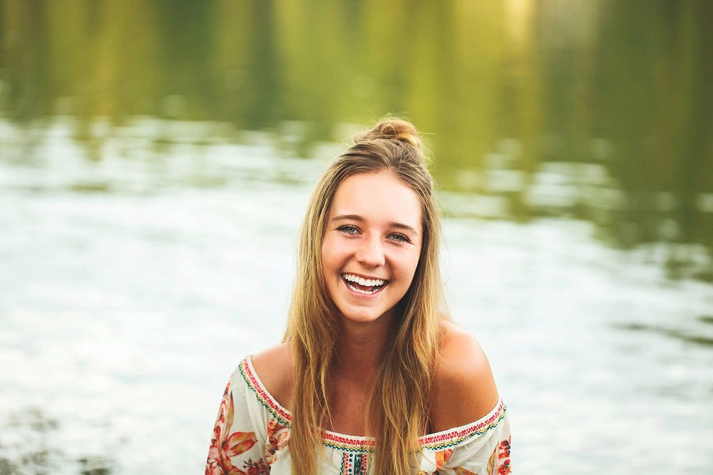 Senior Portrait Photographer in Ozark MO