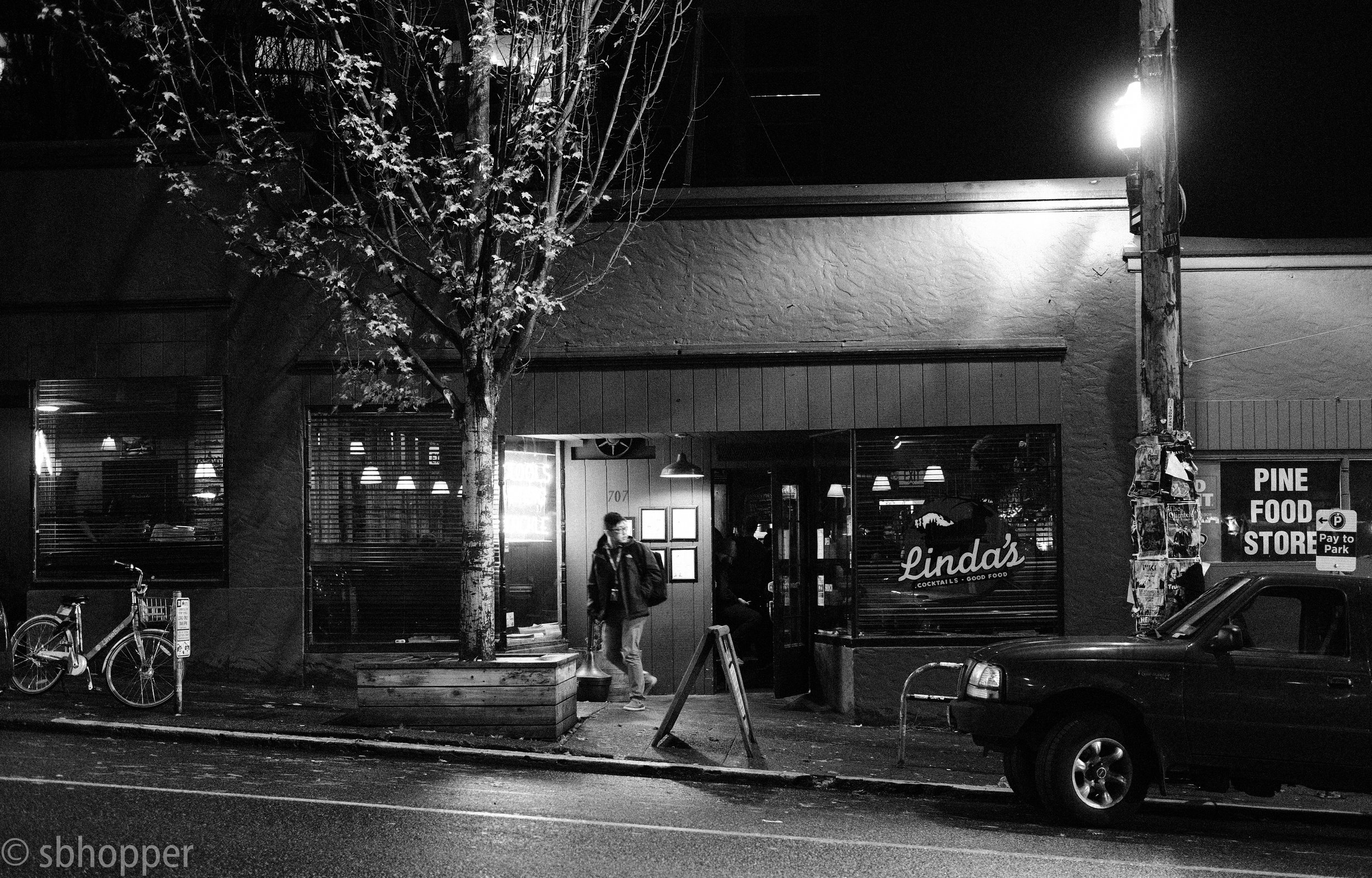 Linda's, Linda's Tavern, Capitol Hill, Seattle, Derschang Group, Fujifilm