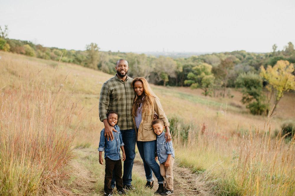 omaha-family-photographer-meadows-1.jpg