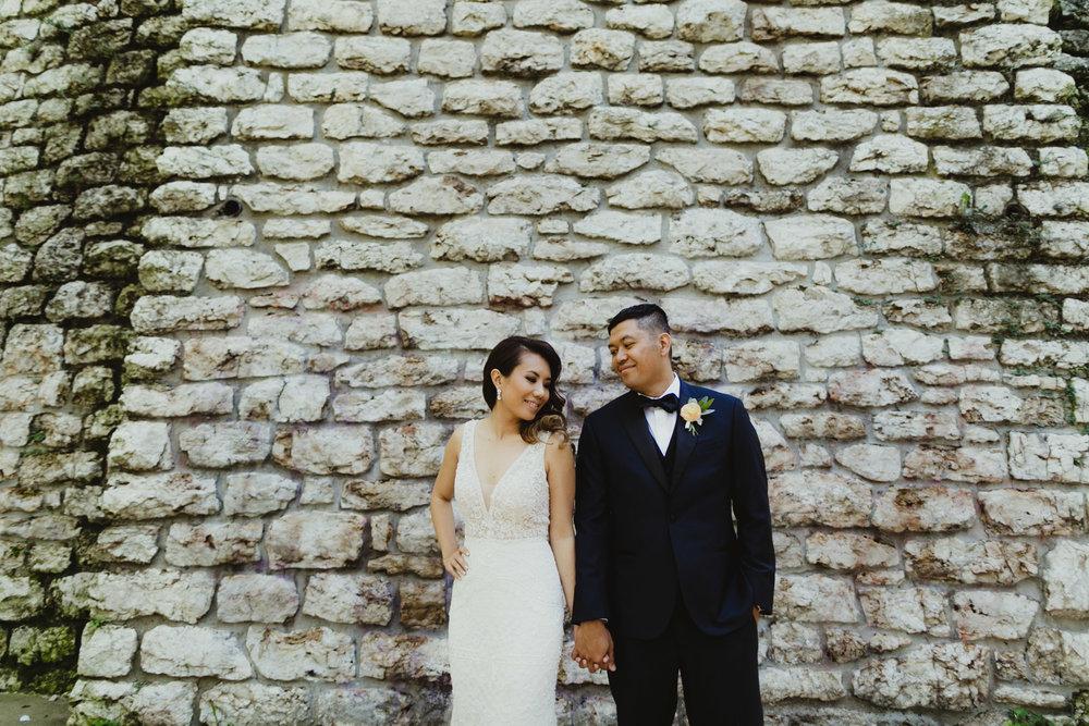 kansas-city-wedding-photographer-monarch-room-27.jpg