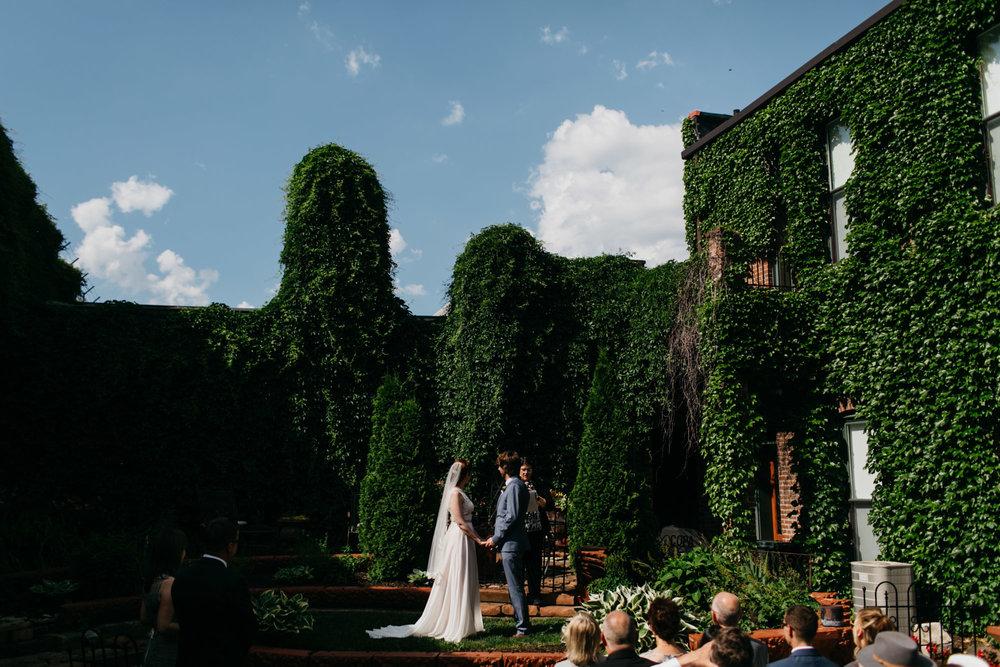 luciles-old-market-wedding-photographer-10.jpg