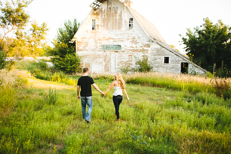 omaha-engagement-photographer-7.jpg