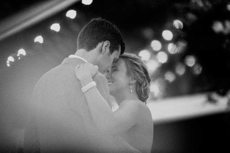 omaha-wedding-photographer-105.jpg