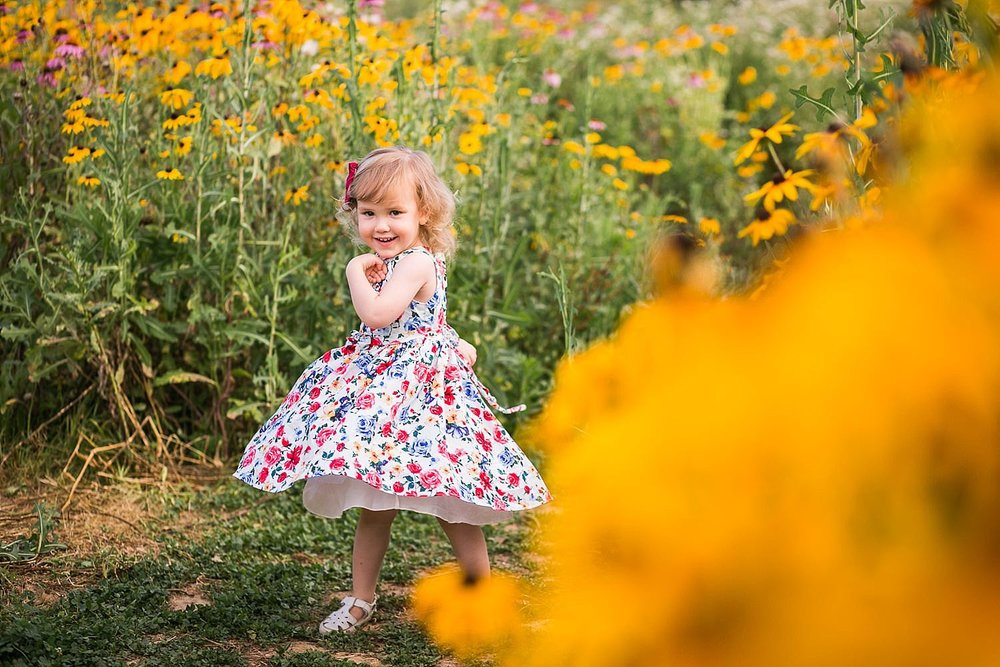 Lititz_family_photographer_wildflower_field-3.jpg