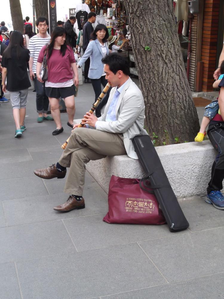 23-Street-musician.jpg