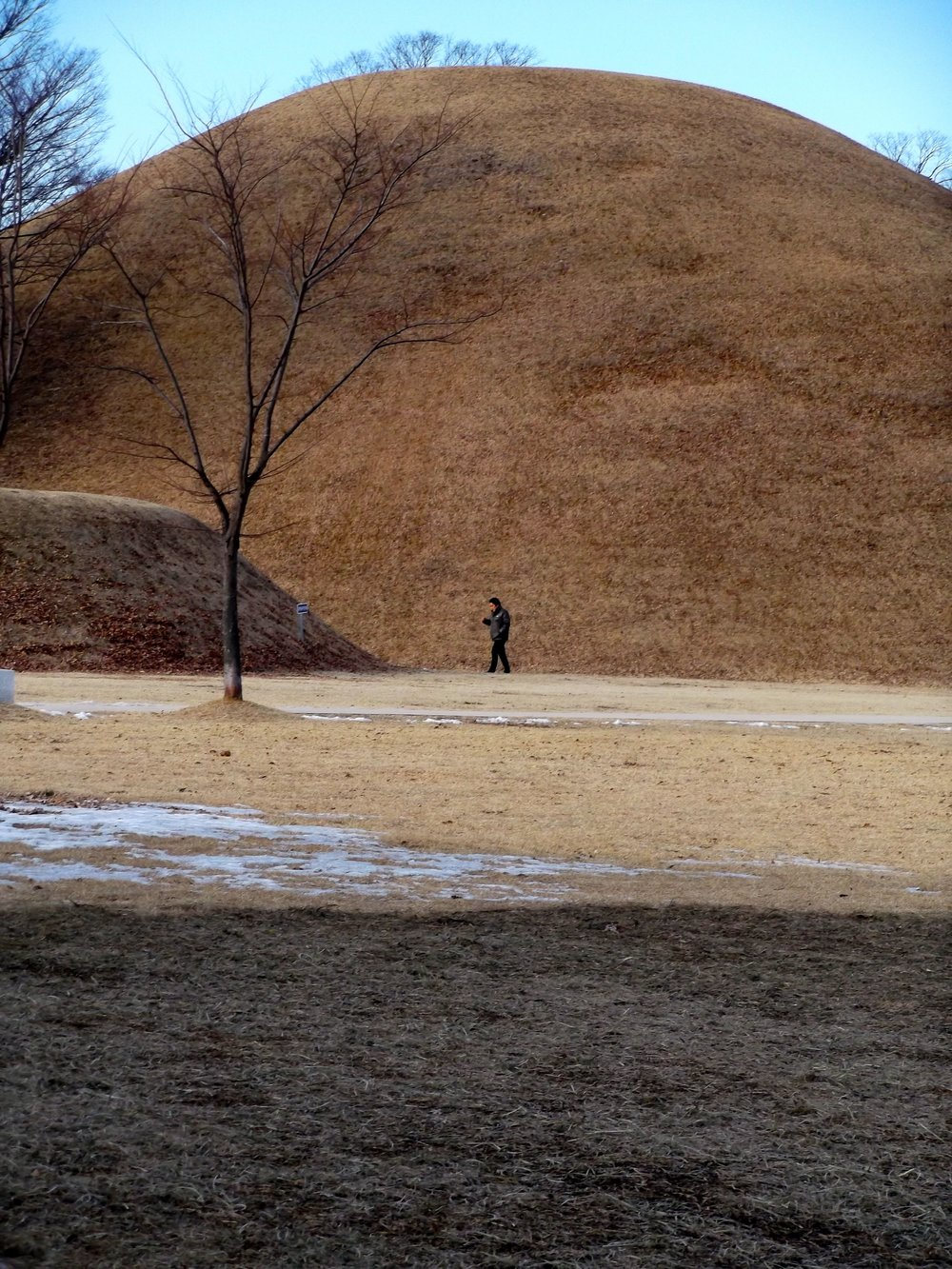 Scale-of-Tombs.jpg