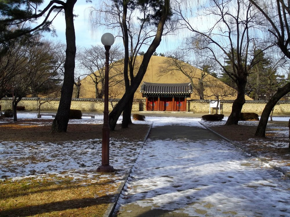 Toomli-Park-Royal-Tomb.jpg