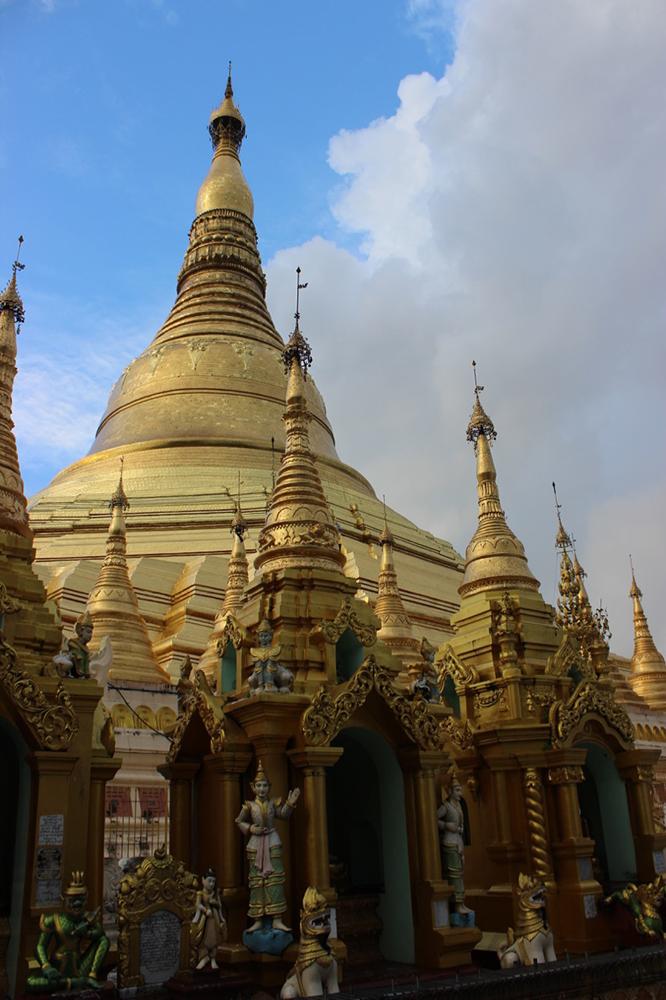 Shwedagon-Pagoda.jpg