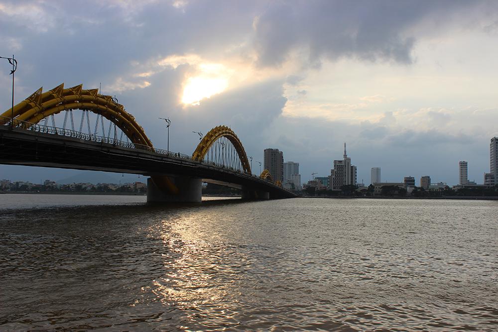 Sunset-at-the-Dragon-Bridge.jpg
