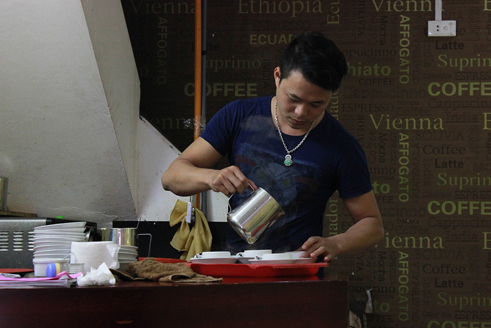 Hanoi-Egg-Coffee-Guy.jpg