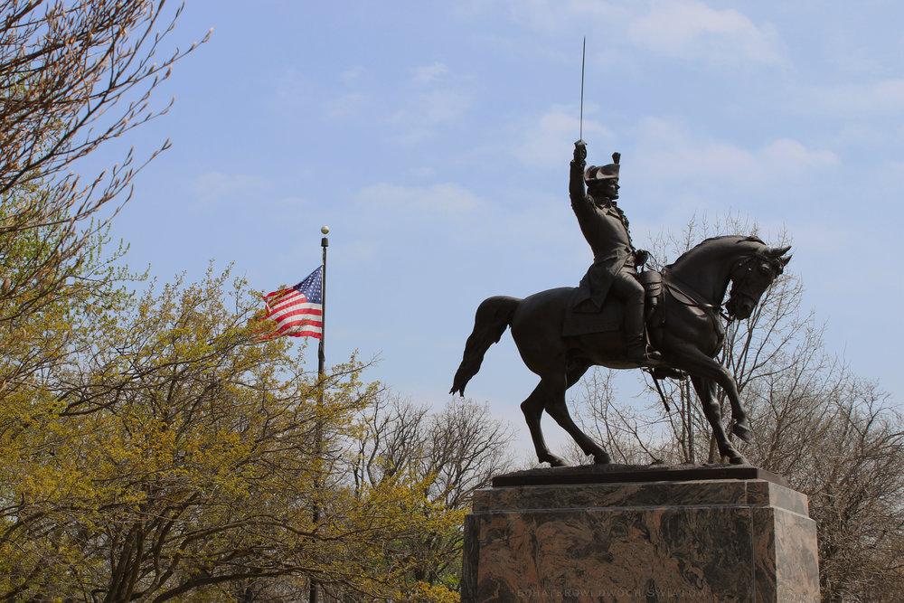 Kosciuszko-Memorial-Statue.jpg