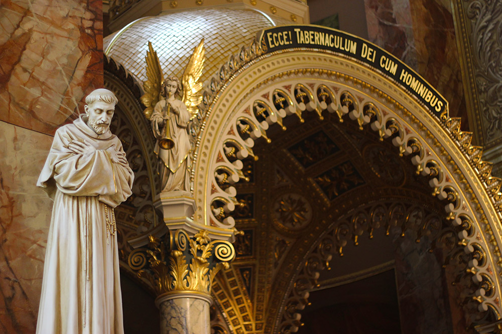 St.-Statue.jpg