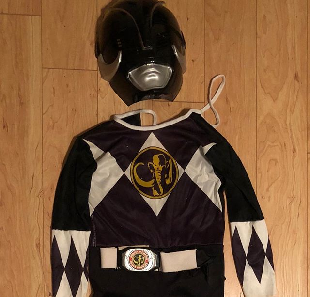 IT'S MORPHIN TIME! We cannot even with this complete original Saban Mighty Morphin Power Rangers Black Ranger Halloween costume. Can you BELIEVE? It's got some stains and the mask has tape on the inside, but I mean... can you BELIEVE? The tag says it's a kid's 7-10. $65 plus shipping if you need it shipped. Comment or DM to purchase! . . . #that90sshop #stl #stlouis #florissant #flomo #noco #vintage #retro #90s #90skid #powerrangers #blackranger #mightymorphinpowerrangers #saban #powerrangercosplay #powerrangercostume #90scostume #90spowerrangers #90stv #halloween #vintagecostume #halloweencostume #dressup