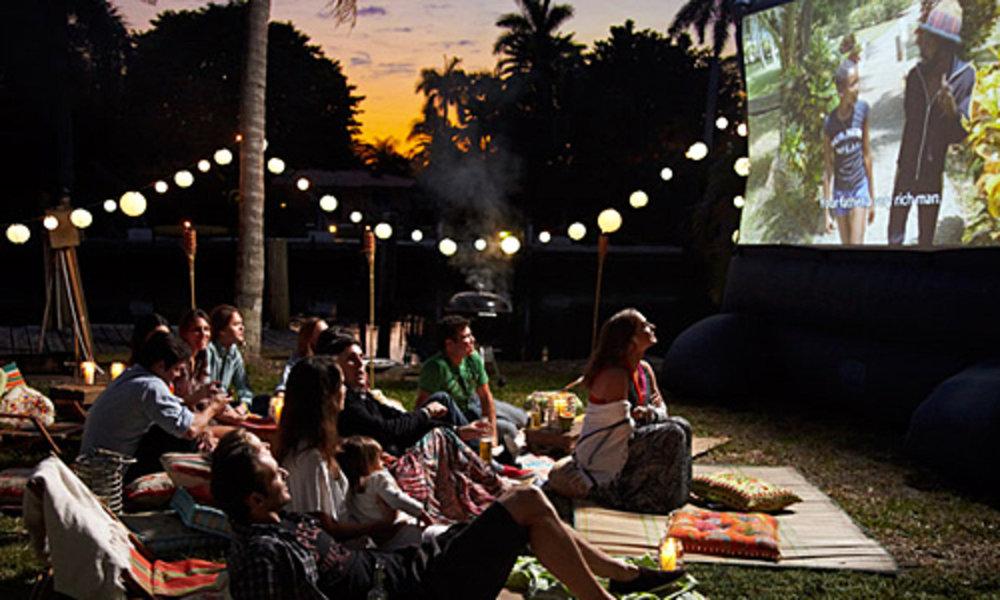 outdoor movie.jpg
