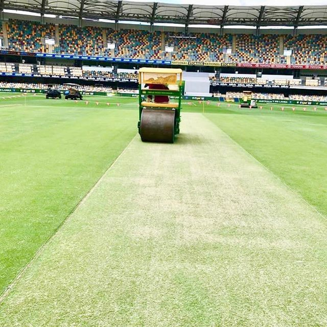Rolling out the green carpet for the AUS V Sri Lanka day/night test cricket 🏏  Best enjoyed with a cold beer at The Central from 2pm 🍺 #testcricket #thegabba #australia #srilanka 📸 @russelarnoldslcricket
