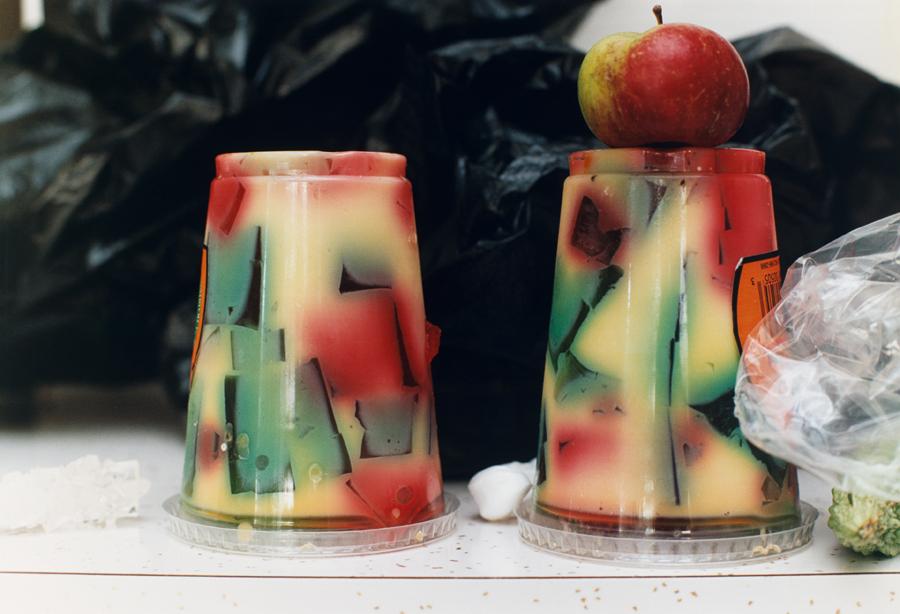 Wolfgang Tillmans,  milk & gelatine , 2001