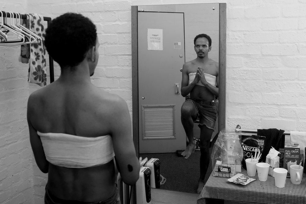 Richard September in 'Swerfgoed' by die Baxter-teater