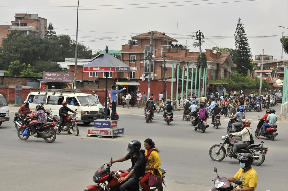 liveseasoned-fall15-kathmandu-nepal-traffic-12.jpg