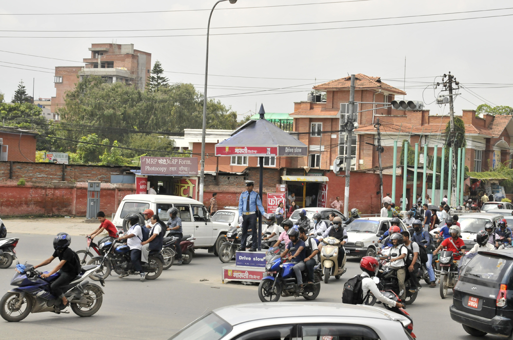 liveseasoned-fall15-kathmandu-nepal-traffic-6.jpg