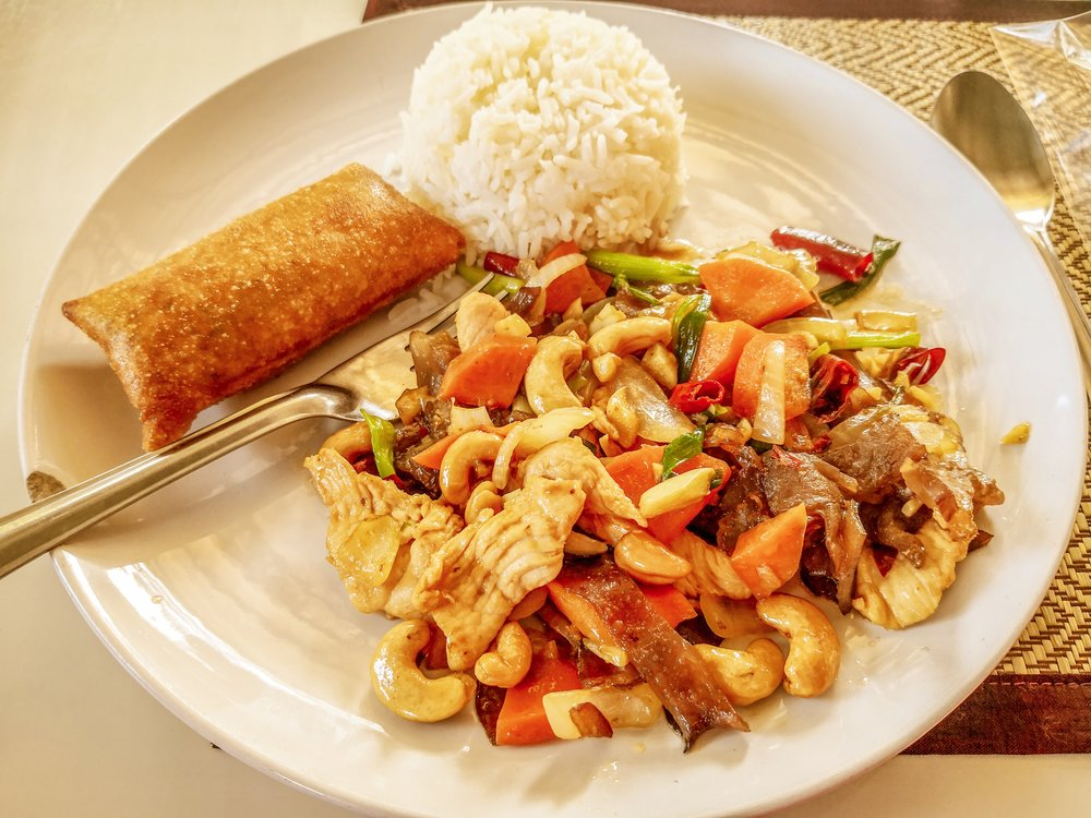 Stir-fried chicken with cashew nuts and spring roll - made by Szilvi at the cooking class :)
