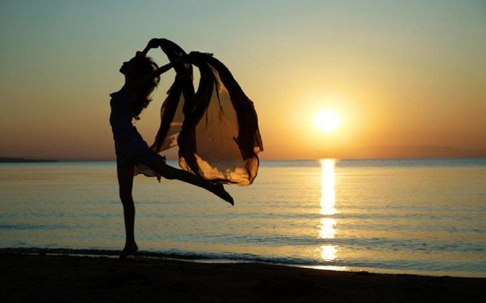 womandance.jpg