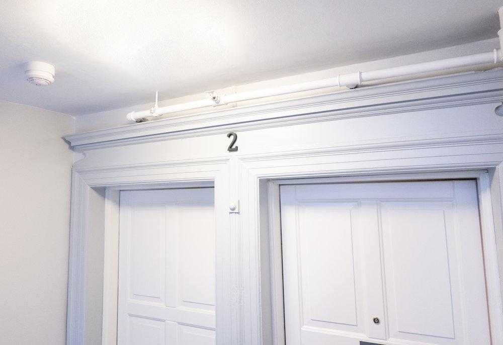 Picture of: Skaerpede Brandkrav Til Fortrappe Hvis Bagtrappe Omdannes Til Badevaerelser Eller Elevator Min Boligforening
