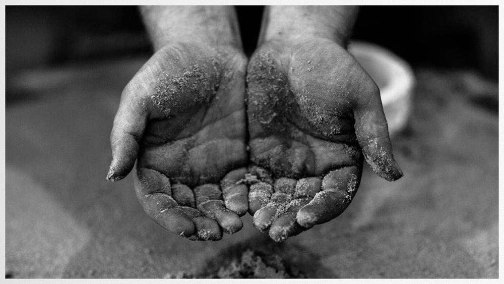 cosmotron_hands.jpg