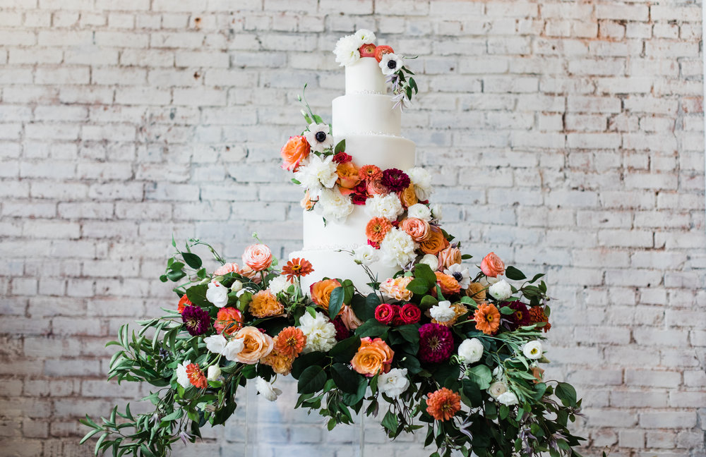 KC WEDDING - CAKE - FLOWERS - WEDDING DRESS