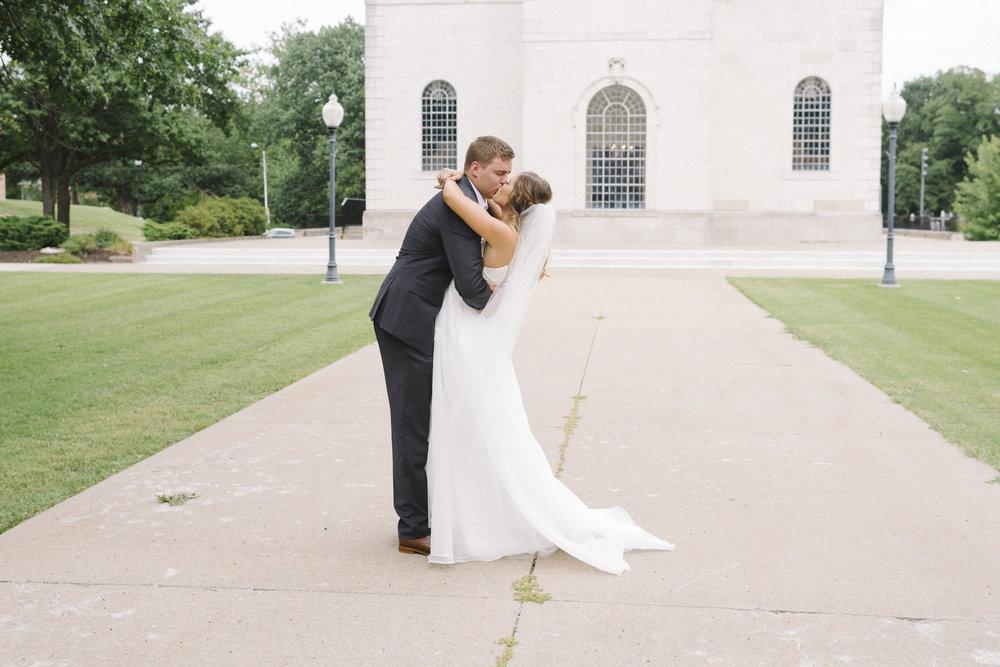 KansasCity_WeddingDress08