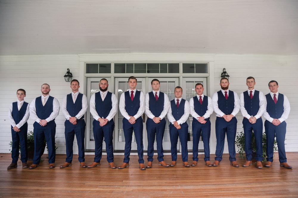 groomsmen_outdoor midwest wedding