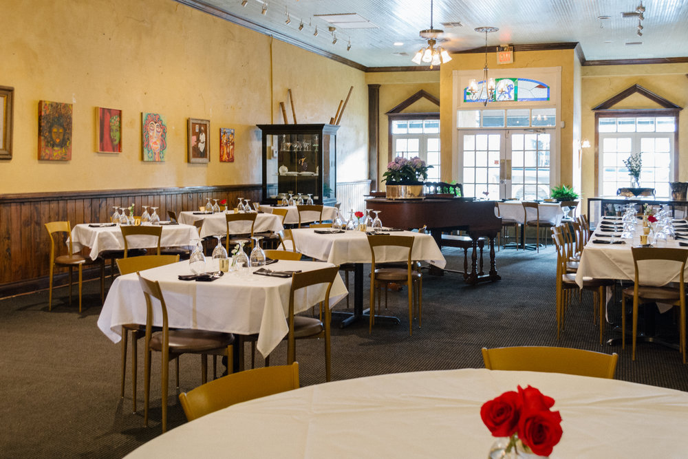 Dine on Historic Main Street - New Iberia, Louisiana