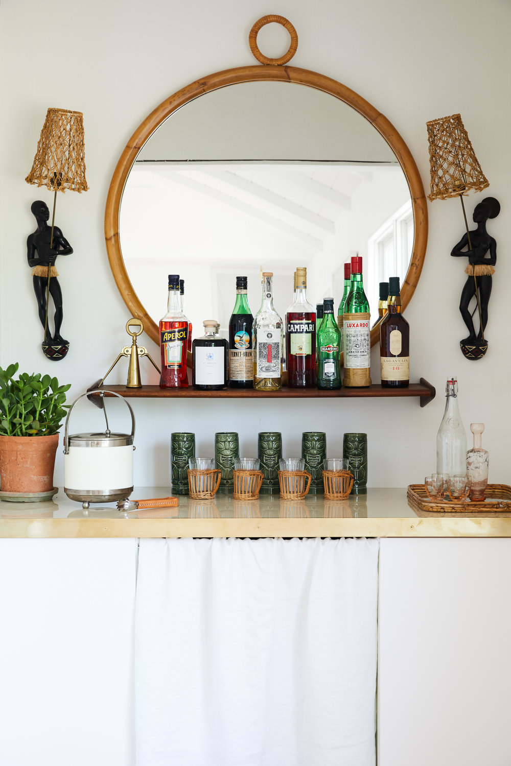 McKinely_Bungalow_Dining_Bar_002.jpg