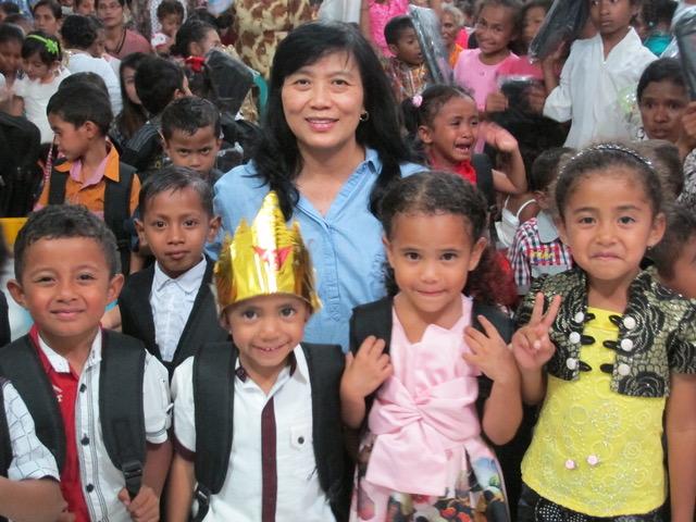 La Cocina de Poppi - La Cocina de Poppi existe para suplir la gran necesidad de comidas calientes, nutritivas y hechas en casa para alimentar a más de 600 niños necesitados.Poppi Smith comenzó este programa en Indonesia, en donde junto con su esposo ha estado ministrando desde el 1983.