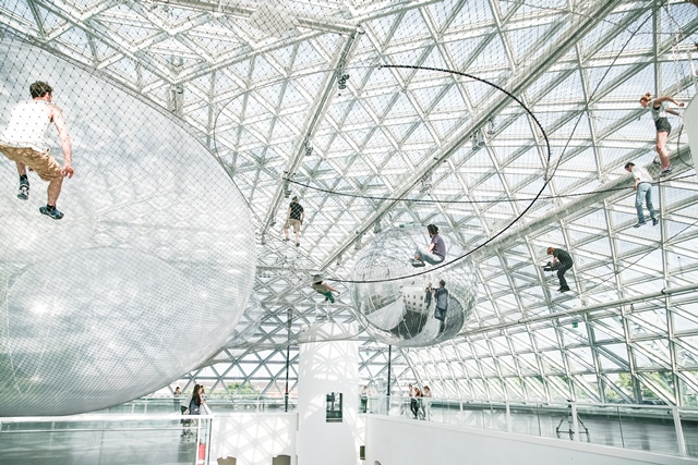 Installation 'In Orbit', Tomás Saraceno @ K21