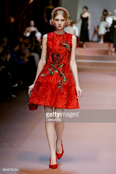 464878454-model-walks-the-runway-at-the-dolce-gabbana-gettyimages.jpg