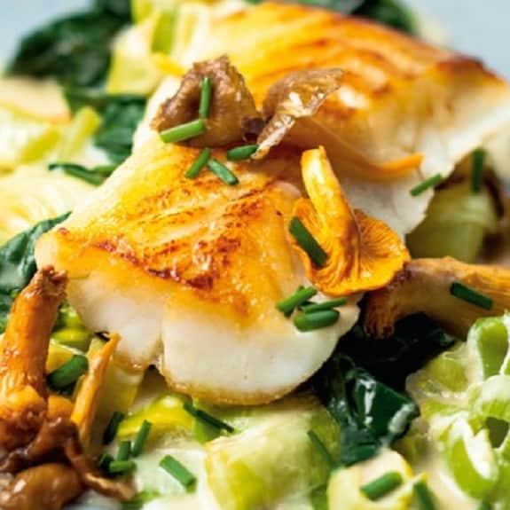 BAked cod with leeks - Recipe by: Magic SkilletRecipe accidentally calls for 2 leeks twice, just use 2. Use apple cider vinegar instead of dry cider!