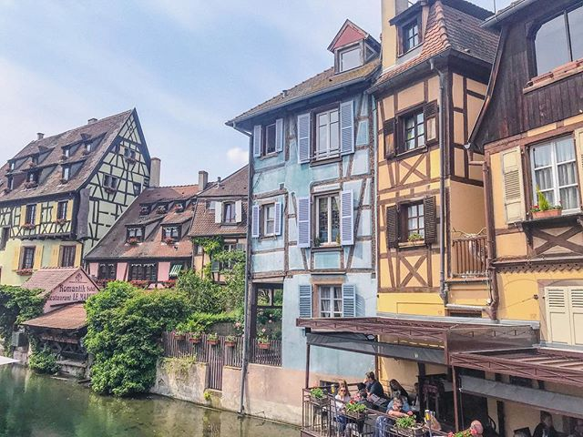 so behind on the putting up posts from my recent travels 🙈 this place tho .. straight out of a storybook 😍 #colmar #alsace #france #river #petitevenise
