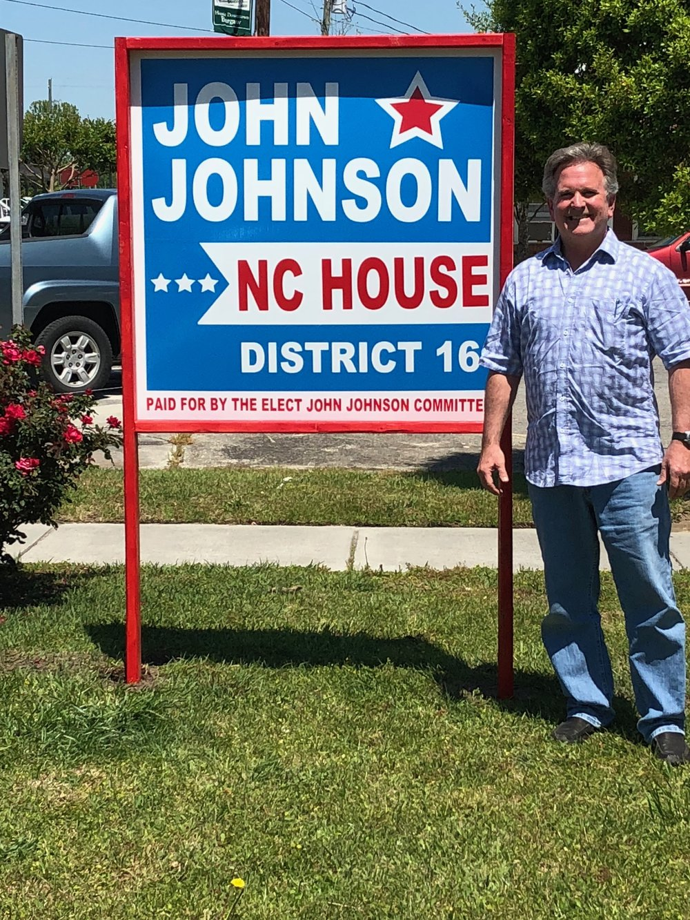 John's first street sign goes up in downtown Burgaw!