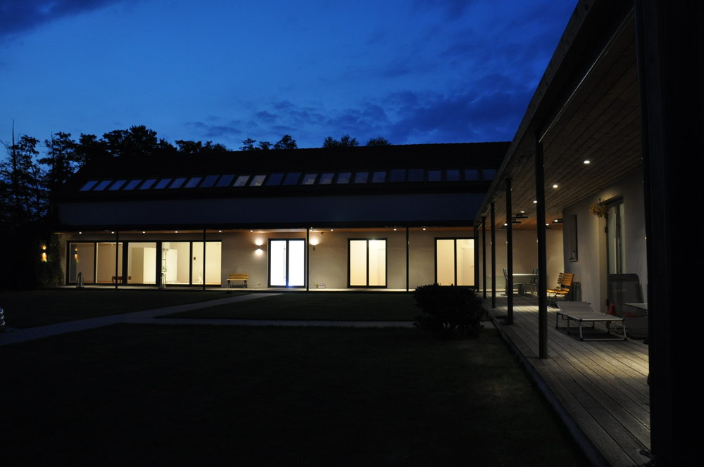 Whole_House_Night_Front (20).JPG
