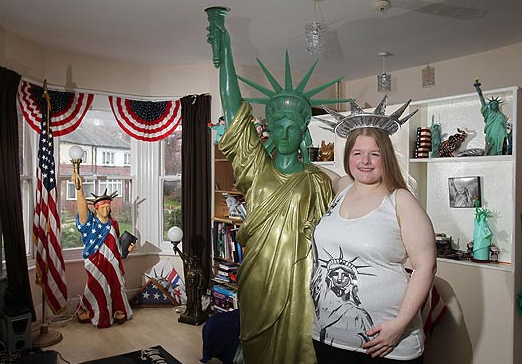 Amanda Whittaker - Amanda is in a long-distance relationship with the American monument, The Statue Of Liberty. She regularly visits the monument and recalls when she first saw a photograph of the statue online she became infatuated with it. She keeps a 6ft tall replica of the statue in her bedroom in the UK to remind herself of it.