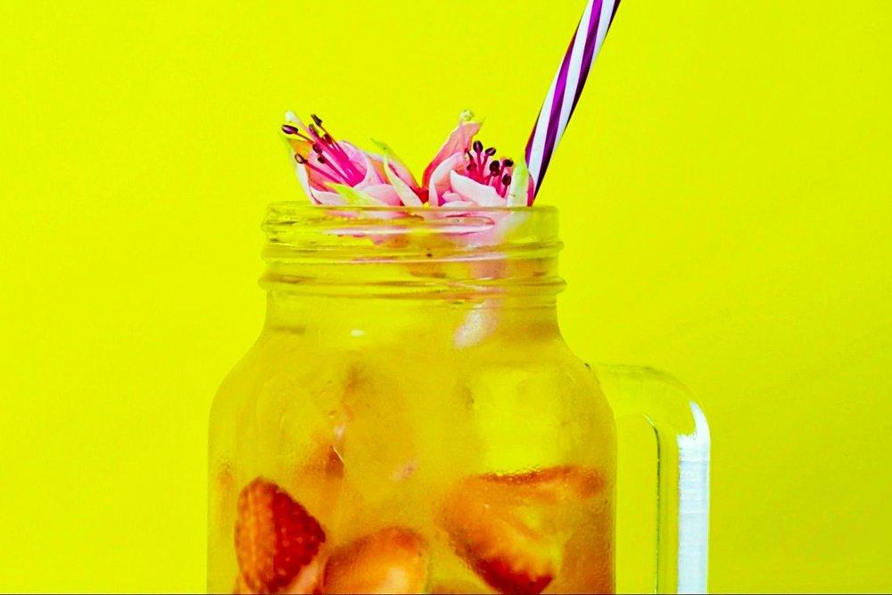 Pink Punch - 100ml Gordon's Pink Gin100ml Cloudy Lemonade50ml ProseccoIceStrawberries
