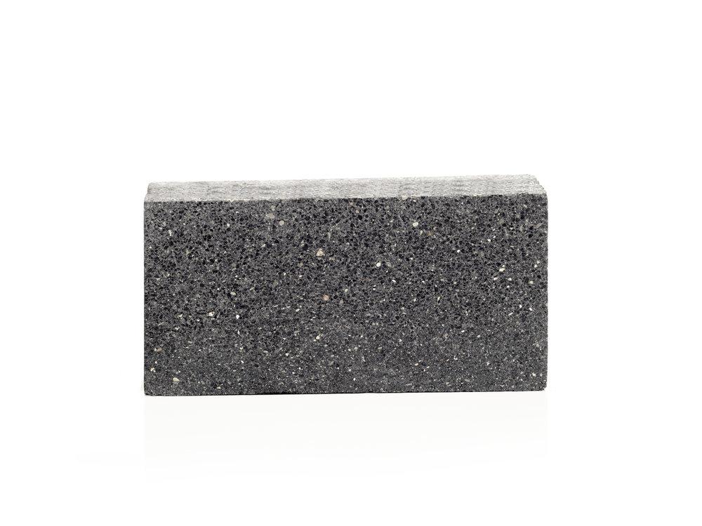 Dimond Black 3 Groundface HO 2.jpg