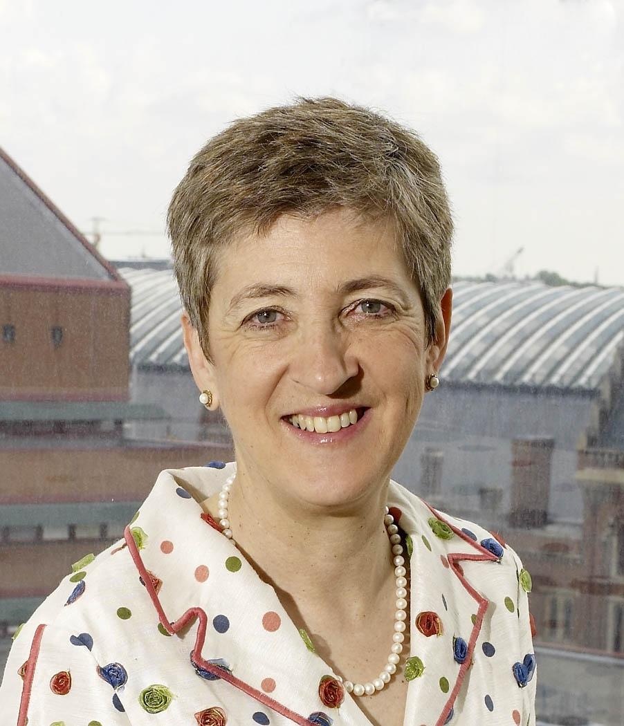 Lynne Brindley.jpg