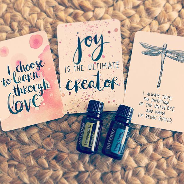My cards and blend for today. Deck of choice is @gabbybernstein The Universe Has Your back cards. ⠀⠀⠀⠀⠀⠀⠀⠀⠀⠀⠀⠀ ⠀⠀⠀⠀⠀⠀⠀⠀⠀⠀⠀⠀ Blend: Ylang Ylang & Lemongrass ⠀⠀⠀⠀⠀⠀⠀⠀⠀⠀⠀⠀ ⠀⠀⠀⠀⠀⠀⠀⠀⠀⠀⠀⠀ See video for description. ⠀⠀⠀⠀⠀⠀⠀⠀⠀⠀⠀⠀ ⠀⠀⠀⠀⠀⠀⠀⠀⠀⠀⠀⠀ ⠀⠀⠀⠀⠀⠀⠀⠀⠀⠀⠀⠀ ⠀⠀⠀⠀⠀⠀⠀⠀⠀⠀⠀⠀ ⠀⠀⠀⠀⠀⠀⠀⠀⠀⠀⠀⠀ ⠀⠀⠀⠀⠀⠀⠀⠀⠀⠀⠀⠀ ⠀⠀⠀⠀⠀⠀⠀⠀⠀⠀⠀⠀ ⠀⠀⠀⠀⠀⠀⠀⠀⠀⠀⠀⠀ ⠀⠀⠀⠀⠀⠀⠀⠀⠀⠀⠀⠀ ⠀ ⠀⠀⠀⠀⠀⠀⠀⠀⠀⠀⠀⠀ ⠀⠀⠀⠀⠀⠀⠀⠀⠀⠀⠀⠀ ⠀⠀⠀⠀⠀⠀⠀⠀⠀⠀⠀⠀ ⠀⠀⠀⠀⠀⠀⠀⠀⠀⠀⠀⠀ ⠀⠀⠀⠀⠀⠀⠀⠀⠀⠀⠀⠀ ⠀⠀⠀⠀⠀⠀⠀⠀⠀⠀⠀⠀ ⠀⠀⠀⠀⠀⠀⠀⠀⠀⠀⠀⠀ ⠀⠀⠀⠀⠀⠀⠀⠀⠀⠀⠀⠀ ⠀⠀⠀⠀⠀⠀⠀⠀⠀⠀⠀⠀ ⠀⠀⠀⠀⠀⠀⠀⠀⠀⠀⠀⠀ ⠀⠀⠀⠀⠀⠀⠀⠀⠀⠀⠀⠀ ⠀⠀⠀⠀⠀⠀⠀⠀⠀⠀⠀⠀ ⠀⠀⠀⠀⠀⠀⠀⠀⠀⠀⠀⠀ ⠀⠀⠀⠀⠀⠀⠀⠀⠀⠀⠀⠀ ⠀⠀⠀⠀⠀⠀⠀⠀⠀⠀⠀⠀ ⠀⠀⠀⠀⠀⠀⠀⠀⠀⠀⠀⠀ ⠀⠀⠀⠀⠀⠀⠀⠀⠀⠀⠀⠀ ⠀⠀⠀⠀⠀⠀⠀⠀⠀⠀⠀⠀ ⠀⠀⠀⠀⠀⠀⠀⠀⠀⠀⠀ #girlboss #femaleentrepreneur #selflove  #lifestyle #vastaypositive #thatsdarling #inspiredaily #design #mycreativebiz #bosslady #risingtidesociety #smallbiz #fearlesssinger  #instagood #selflove #inspiration  #musicteachers #singingteachers #essentialoils #doTERRA #naturalsolutions #spiratuality #gabbybernstein #carddeck #healthychoices #lowtoxic #Bundbaberg #Bundy #bundylife