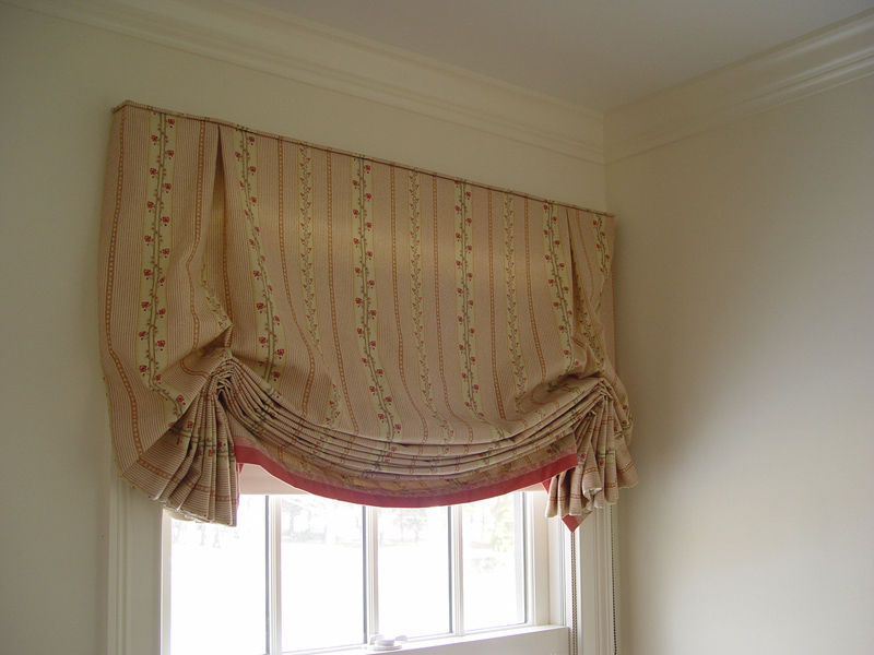 April_Louise_window_treatment-DSC04395.jpg