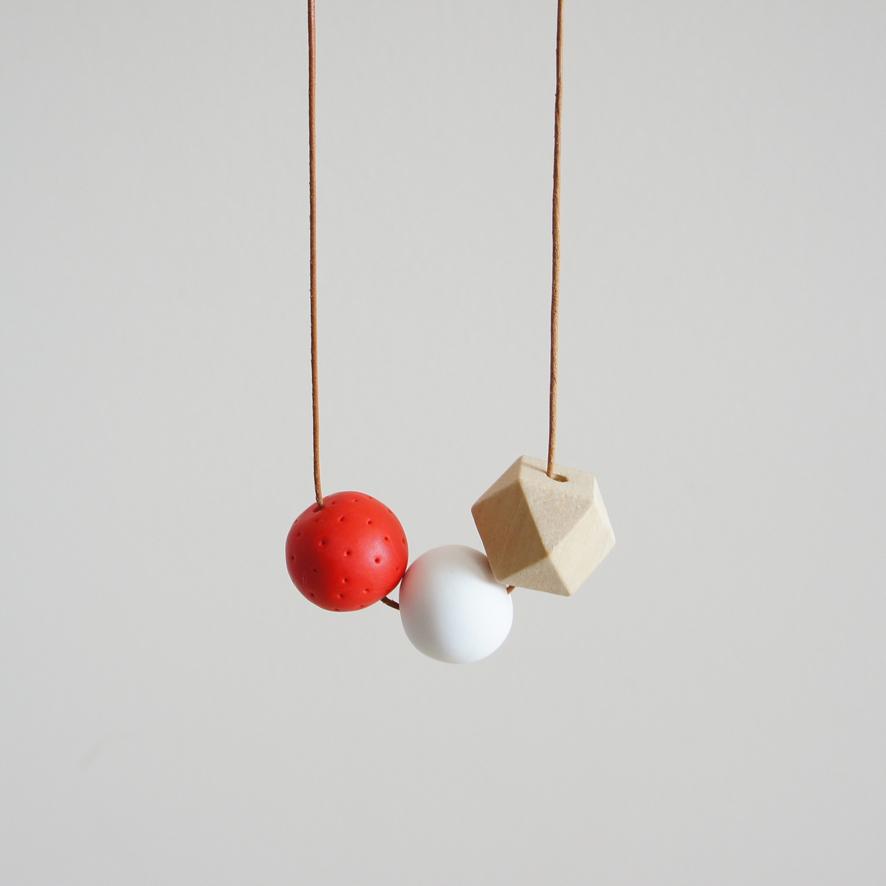 48_ballsxcube-pendant_strawberries-and-cream_2.jpg