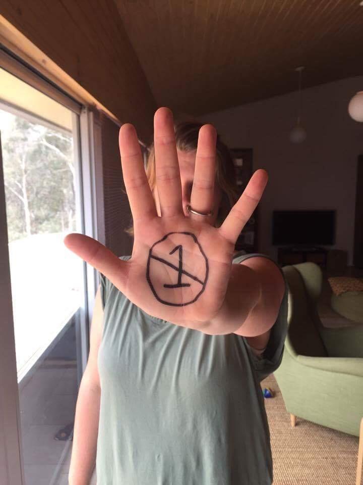 NEO Hand Simone_01.jpg