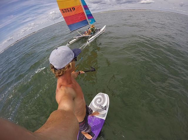 When it's too light to kite and too small to surf.. 🏄‍♂️ @evannetsch ⛵️ @willsurfsize . . . #deltasurffoils #foilsurfing #foilsurf #hydrofoil #foil #watersports #ocean #surf #gopro #goprooftheday #hobie #nj